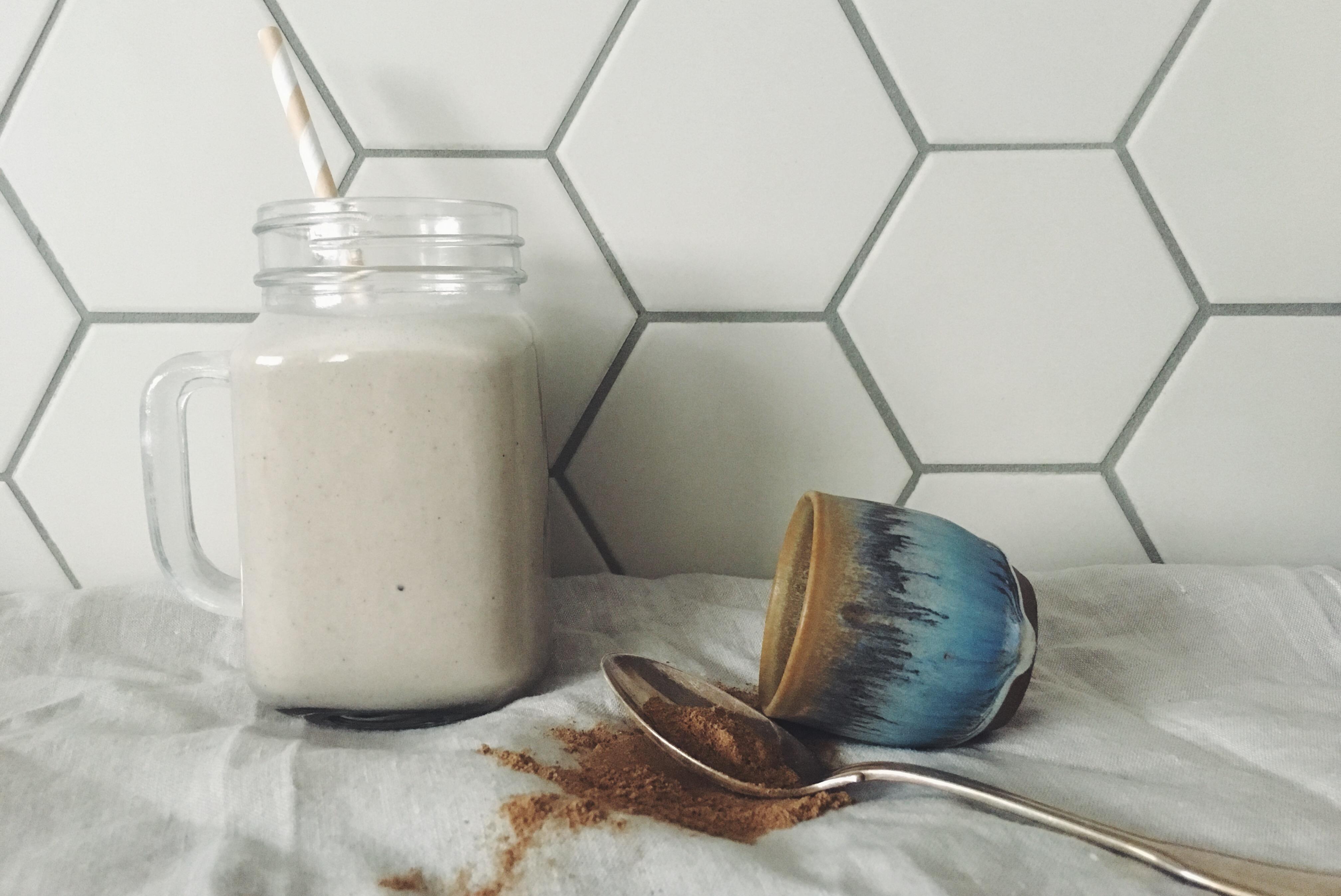 Chai-Smoothie mit Banane und Kokosmilch