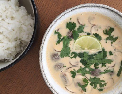 Asia-Suppe mit Kokosmilch