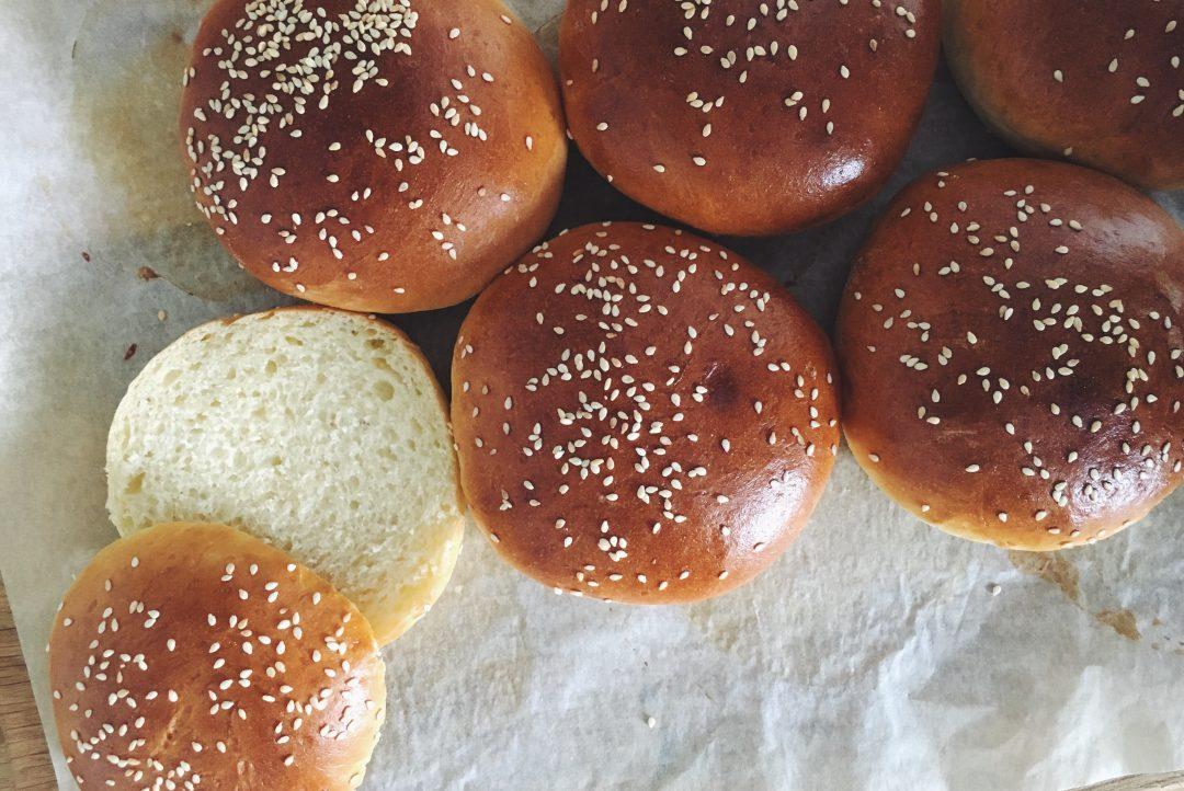 Brioche Burger Buns - die fluffigsten Hamburgerbrötchen