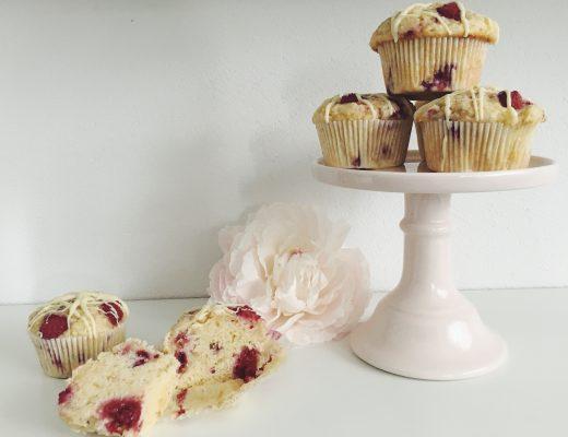 Himbeer-Muffins mit weisser Schokolade