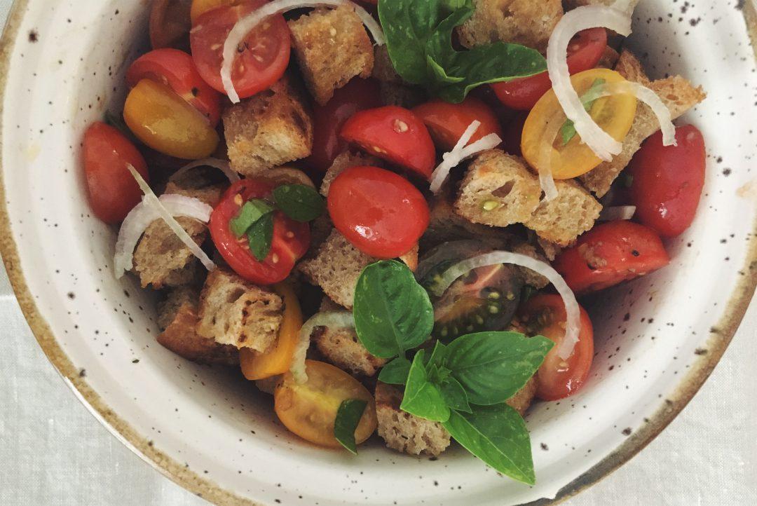Panzanella - der klassische italienische Brotsalat