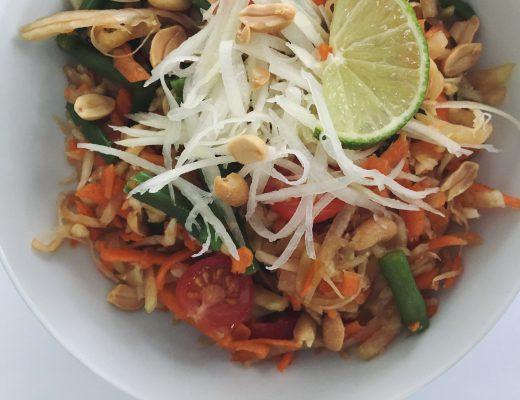 Papayasalat - meine vegane Version (Som tam)
