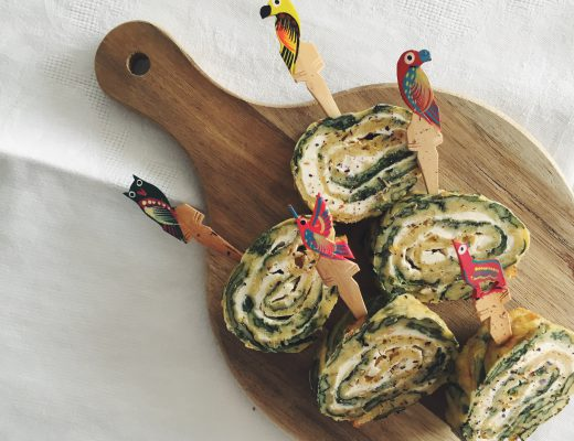 Spinatrollen: Omelette mit Spinat, Basilikum und Frischkäse