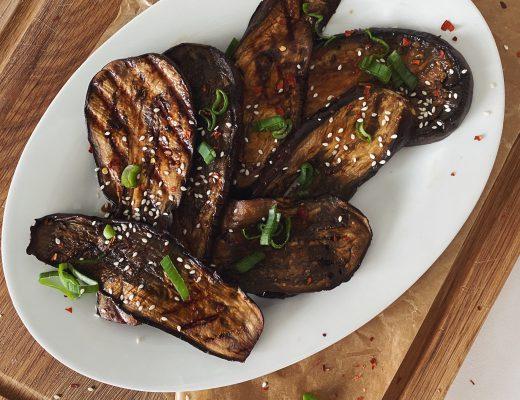 Aromatische Teriyaki Auberginen vom Grill