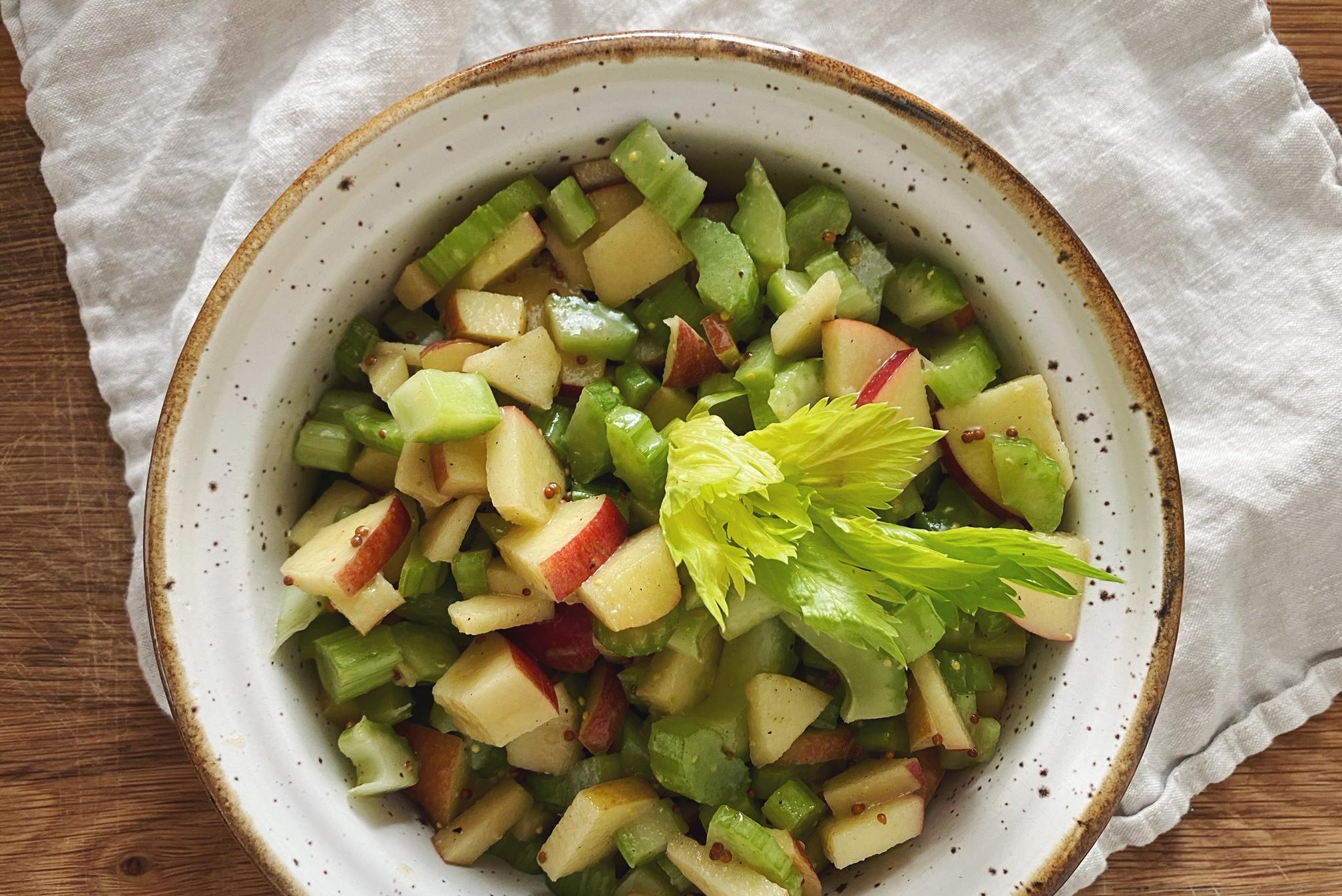 Sellerie-Apfel-Salat: der perfekte Sommer-Salat